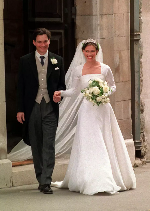 Royal wedding dresses, lady sarah armstrong jones wedding dress