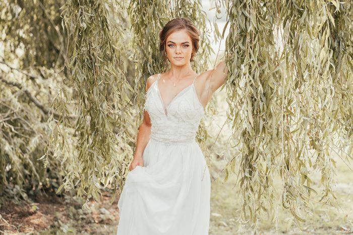 light and elegant wedding dress